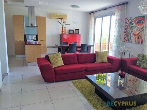 Апартаменты продажа Агиос Тихонас (Agios Tychonas) Лимассол (Limassol) Кипр 1 3251
