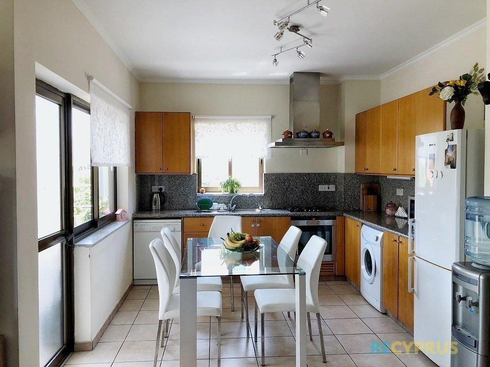 Apartment for sale Center Limassol Cyprus 8 13187