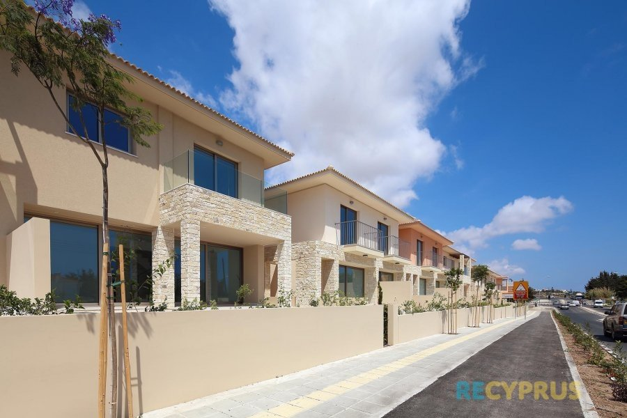 Apartment for sale Kato Paphos Cyprus 14 3395