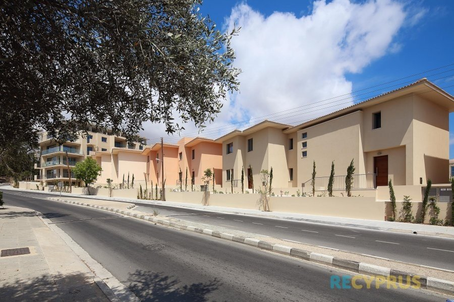 Apartment for sale Kato Paphos Cyprus 15 3395