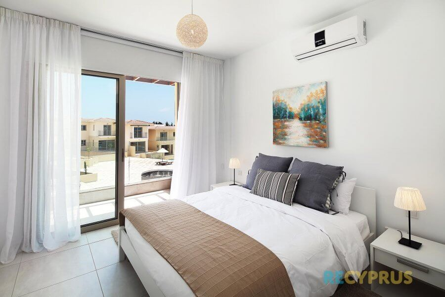 Apartment for sale Kato Paphos Cyprus 2 3395